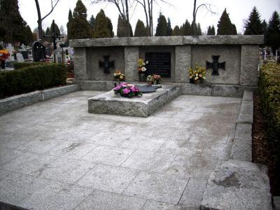 Mogiła zbiorowa żołnierzy Wojska Polskiego i ofiar cywilnych - Chrzanów