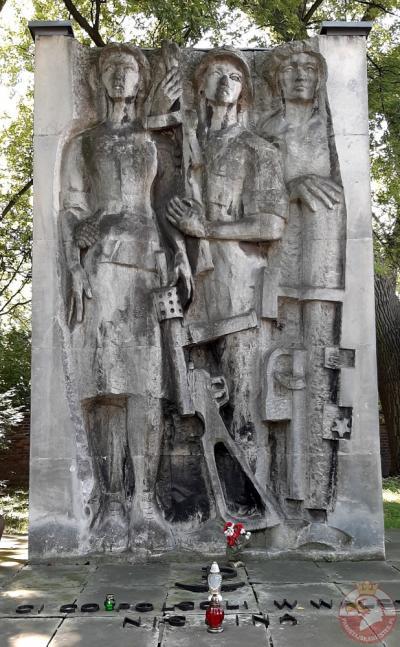 Pomnik Ci Co Polegli w Walce Nie Giną - Kraków