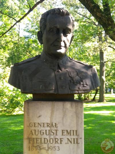 """Pomnik generała Augusta Emila Fieldorfa ps. """"Nil"""" - Kraków"""