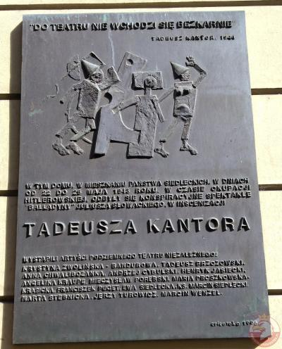 Tablica upamiętniająca Tadeusza Kantora i teatr konspiracyjny - Kraków