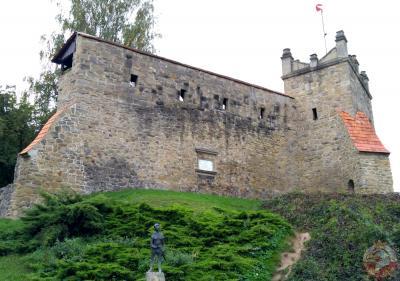 Ruiny zamku królewskiego - Nowy Sącz