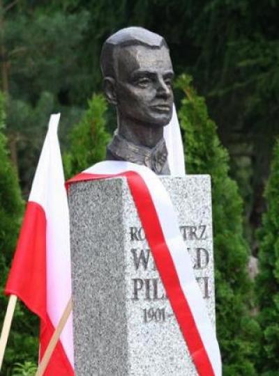 Pomnik rtm. Witolda Pileckiego - Otwock