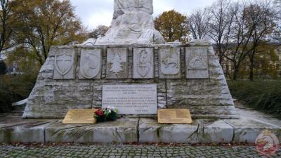 Pomnik Bitwy o Monte Cassino - Warszawa