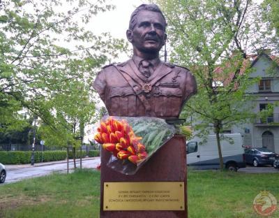 Pomnik gen. Stanisława Sosabowskiego - Warszawa