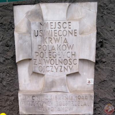 Tablica pamiątkowa przy ulicy Grójeckiej - Warszawa
