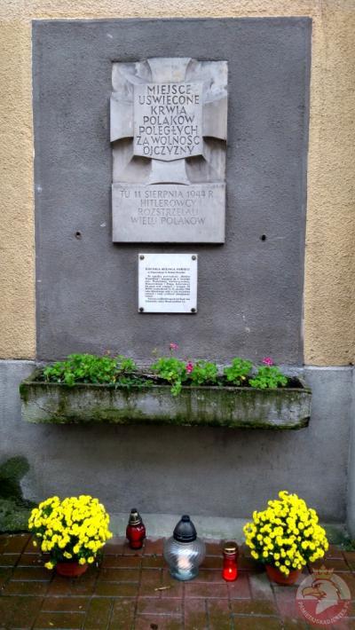 Tablica pamiątkowa przy ulicy Józefa Mianowskiego - Warszawa