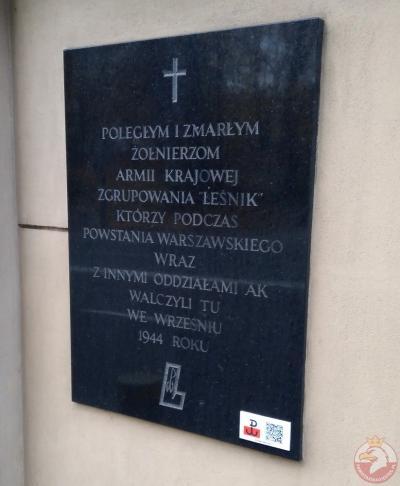 """Tablica poświęcona żołnierzom AK zgrupowania """"Leśnik"""" - Warszawa"""
