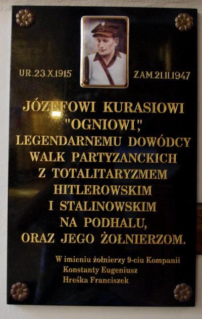 """Tablica upamiętniająca Józefa Kurasia ps. """"Ogień"""" - Warszawa"""