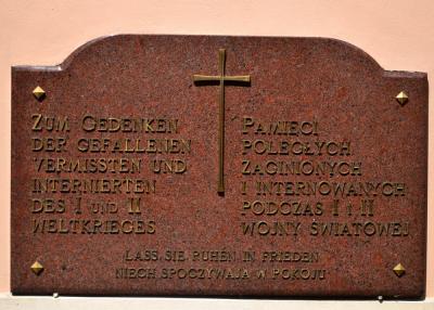 Tablica upamiętniająca poległych, zaginionych oraz internowanych podczas I i II wojny światowej - Kielcza