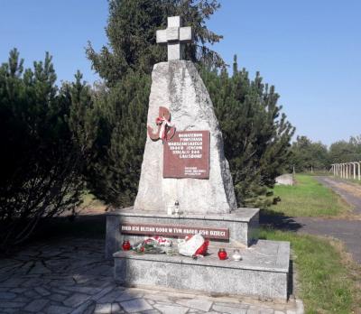 Pomnik Powstańców Warszawskich jeńców Stalagu 344 - Łambinowice