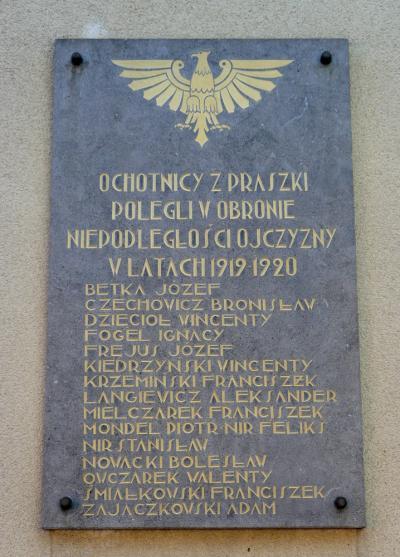 Tablica upamiętniająca poległych podczas II powstania śląskiego - Praszka