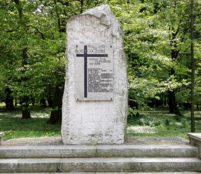 Pomnik upamiętniający poległych za Ojczyznę - Prudnik