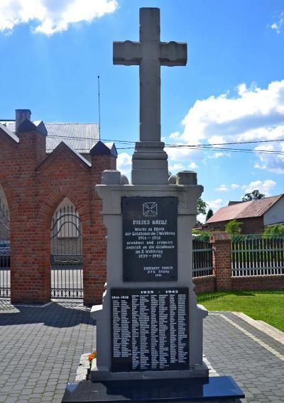 Pomnik upamiętniający poległych podczas I i II wojny światowej - Radawie