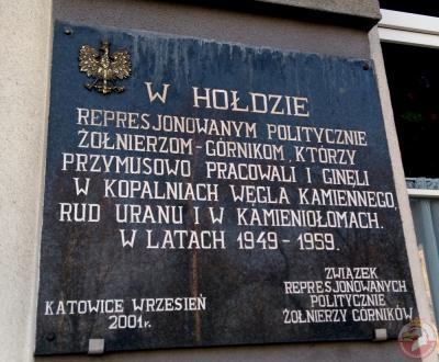 Tablica w hołdzie żołnierzom-górnikom zesłanym do pracy przymusowej - Katowice