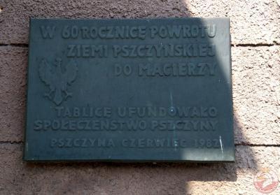 Tablica upamiętniająca 60 rocznicę powrotu Ziemi Pszczyńskiej do macierzy - Pszczyna