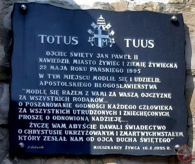 Tablica upamiętniająca wizytę Jana Pawła II 22 maja 1995r. - Żywiec